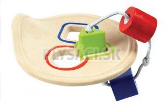Plan Toys EKO - prestrkovadlo na rozlišovanie geometrických tvarov