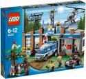 LEGO City - Policajná stanica v lese